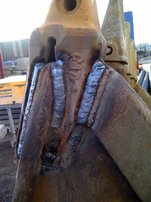 Welding services on Long Rich Digger3