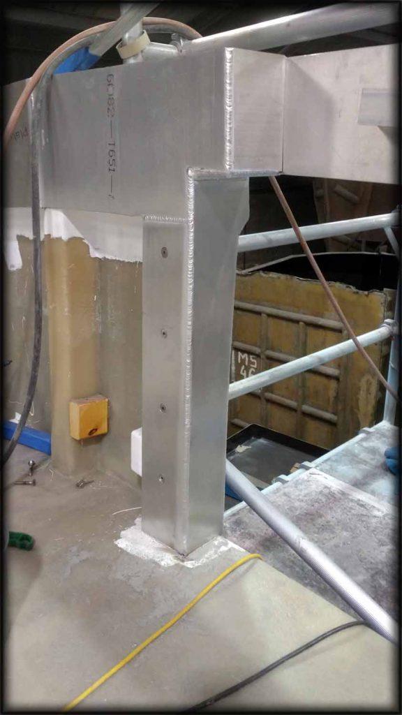 Welding work on aluminium corner post