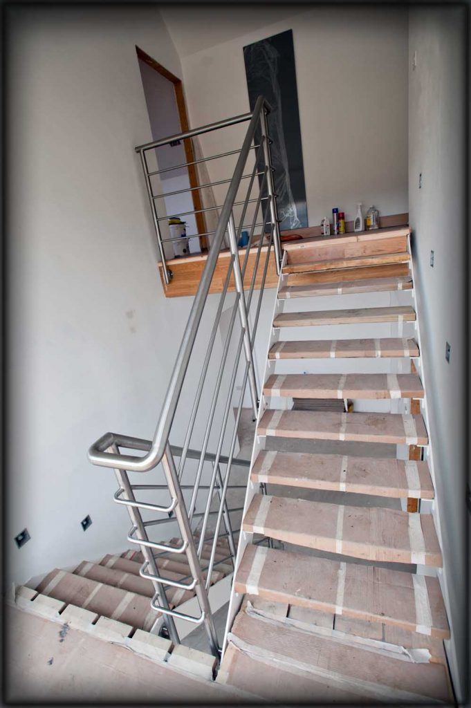 On site stainless steel welding of handrails