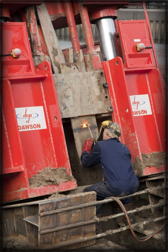 Onsite welding and cutting of pylons